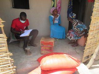 AFRICA OCCIDENTALE, CONTRO LA PANDEMIA SENSIBILIZZAZIONE E CREATIVITÀ - di Maura Pazzi