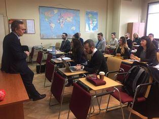 """""""THE USE OF SOCIAL NETWORK IN AN EMBASSY"""": L'AMBASCIATA D'ITALIA A SOFIA FA SCUOLA AI GIOVANI DIPLOMATICI BULGARI"""