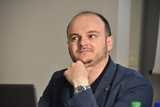 """LA STORIA AL MICROSCOPIO: RECENSIONE A """"L'OZIO COATTO"""" DI GIUSEPPE LORENTINI"""
