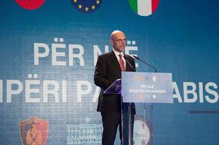 PER UN'ALBANIA SENZA CANNABIS: L'AMBASCIATORE CUTILLO ALLA PRESENTAZIONE DEI RISULTATI DELLA CAMPAGNA DI SORVOLI DELLA GUARDIA DI FINANZA