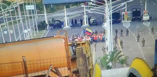 VENEZUELA: ALTRI OSTACOLI LUNGO LA FRONTIERA PER EVITARE L'INGRESSO DELL'AIUTO UMANITARIO