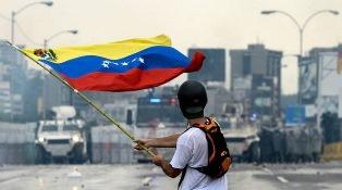"""CRISI IN VENEZUELA: IL """"GRUPPO DI LIMA"""" RESPINGE L'IPOTESI DI INTERVENTO MILITARE"""