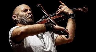 """ALESSANDRO QUARTA AL """"REGGIO LIVE FEST 2019"""": IL GENIO MONDIALE DEL VIOLINO SUL PALCO CON L'ORCHESTRA ROMA SINFONIETTA"""