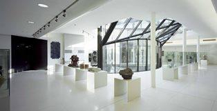 AL MIC DI FAENZA DUE VOLUMI SULLA STORIA DELLA CERAMICA APPLICATA ALL'ARCHITETTURA E AL DESIGN