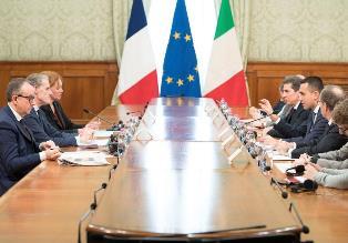 ITALIA – FRANCIA: DI MAIO INCONTRA L