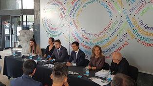 PISTOLETTO A SARAJEVO/ L'AMBASCIATORE MINASI: SEGNO DELLA VICINANZA DELL'ITALIA ALLA BOSNIA