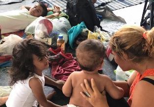 MESSICO: DALL'UNICEF AIUTO E PROTEZIONE PER I 2.300 BAMBINI IN VIAGGIO CON LA CAROVANA DI MIGRANTI