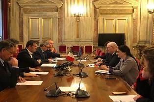CENTINAIO INCONTRA IL COMMISSARIO HOGAN: GARANTIRE RISORSE ADEGUATE AGLI AGRICOLTORI ITALIANI
