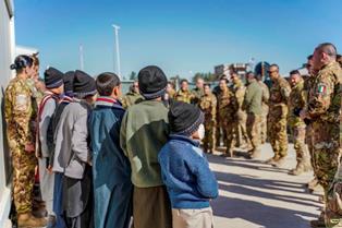 MISSIONE IN AFGHANISTAN: DALL'ITALIA AIUTI UMANITARI AGLI ORFANI DI HERAT