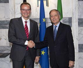 ITALIA-GERMANIA: MOAVERO INCONTRA IL PRESIDENTE DELLA COMMISSIONE AFFARI ESTERI DEL BUNDESTAG